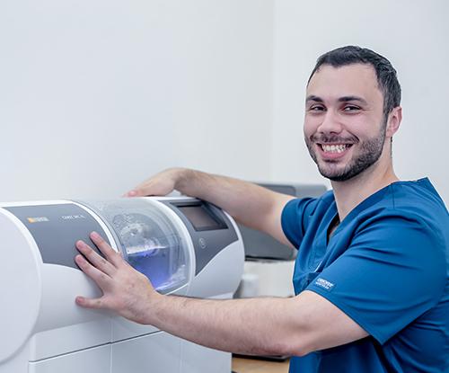 Doctor Q, רשת מרפאות שיניים, טיפולי שיניים, יישור שיניים